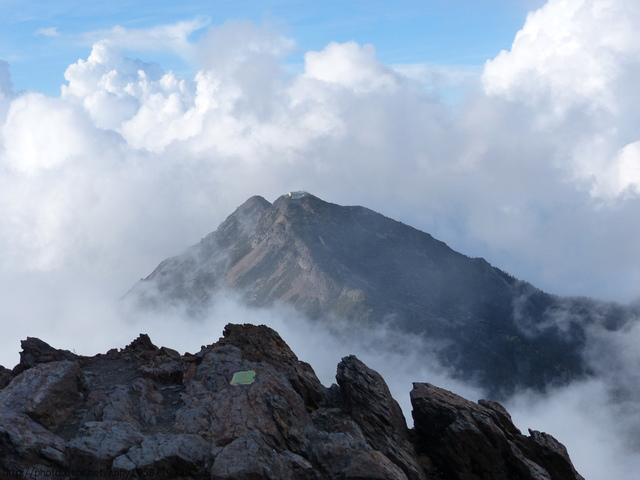 P1430221.JPG - 玉山三日遊之3:排雲山莊至玉山主峰