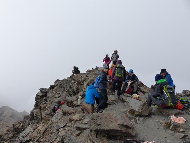 P1430207.JPG - 玉山三日遊之3:排雲山莊至玉山主峰