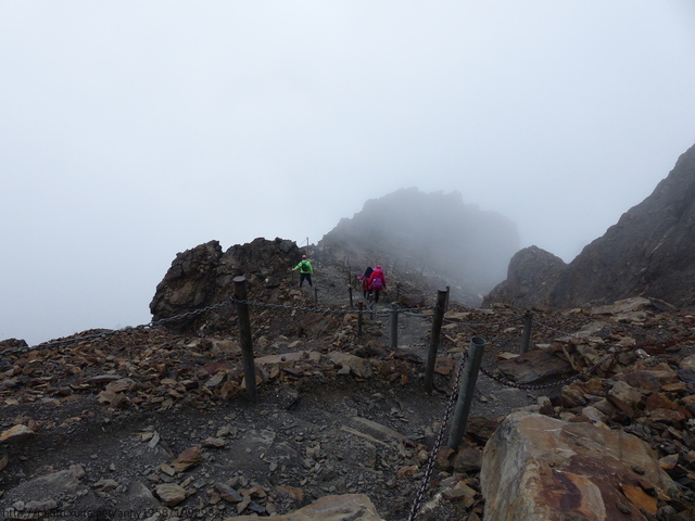 P1430191.JPG - 玉山三日遊之3:排雲山莊至玉山主峰