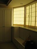 2008 新家照:入口處的鞋櫃外加小坐位