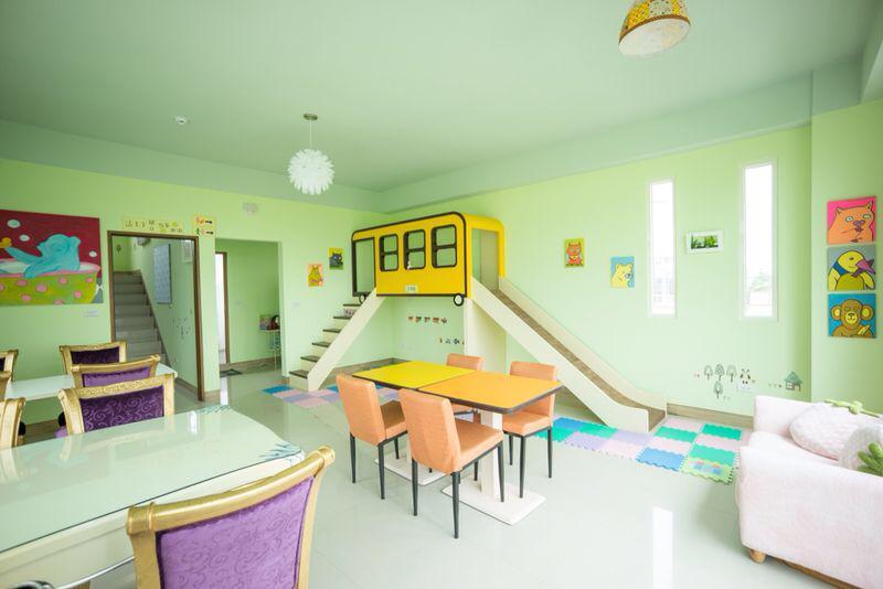 蘭小熊書房彩虹屋:二樓住客專用客廳.jpg