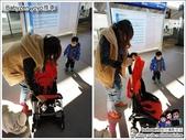 Babyzen yoyo推車:媽媽開推車.jpg