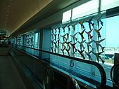 大阪消遙五日DAY1:往另一邊的盡頭延伸過去的是多采多姿的彩繪飛機