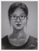 我的作品~素描:自畫像~炭筆.JPG