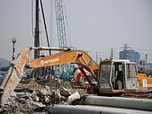 機具照片:200型挖土機.JPG