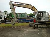 機具照片:200型挖土機2.JPG