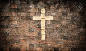 2015加恩教會復活節:6892281-grande-image-d-une-croix-chr-tienne-dans-un-mur-de-briques-Banque-d'images.jpg