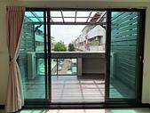 採光罩。遮雨棚:採光罩 地板 圍牆 (1).jpg