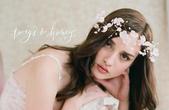 Elena's高質感設計師飾品。頭飾:T & H 暢銷款Floral Cown USD$525