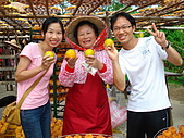 新竹海岸線&吃道地美食:拍照時還會問你們說:柿子甜不甜~