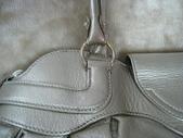 Ferragamo包包 鞋子洗滌整染前後照片:洗包包 創盛專業皮革整染 Ferragamo 銀蔥包整染後