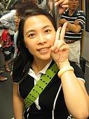 970712香港自由行1:接駁車內留影