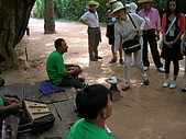 吳哥窟之旅(2005.09.21):另外一邊的殘障樂團