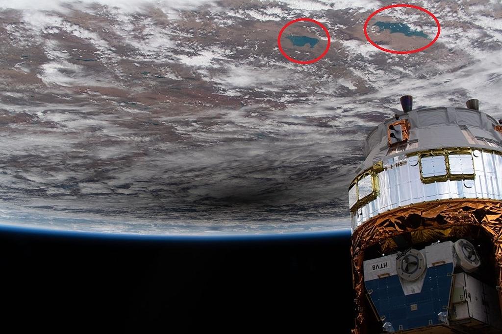 宇宙太空 Universe:國際太空站下方的月影 iss063e031761_June2020ase-2.jpg