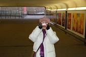 2005倫敦耶誕:地鐵站出來後  走往倫敦塔的地下道