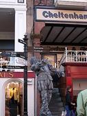 關於英國:超喜歡的古鎮~~契斯特 Chester  街頭藝人  維肖維妙