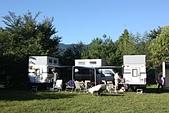 鎮西堡yubay & Behuy 優美地民宿露營區:熱情的三台露營車小新辣椒小七.JPG