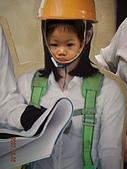 2007.12.07~12.08 台中遊:ㄚ宇很不甘願的照相,呵~