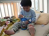 元元生活專輯:元元生病了醫生叔叔說要打針可是很痛呢5.JPG