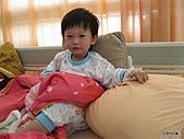 元元生活專輯:元元生病了醫生叔叔說要打著點滴。4.JPG