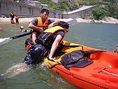 馬祖划獨木舟:手打直一口氣上船