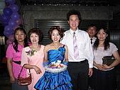 筑靜訂婚宴與結婚:新娘一家人