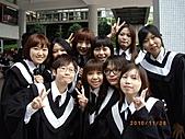 畢業前:76895_122551464472691_100001535149613_143247_6700907_n.jpg