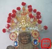 柳絲神明帽、水鑽神帽、神明兵器、銅帽、鎖牌、帽墜(宜蘭神佛繡莊):特製柳絲神帽,歡迎訂製各式柳絲盔