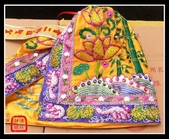 神明衣(神衣)、軟身衣、戰甲、竹衣、濟公衣、披肩(宜蘭神佛繡莊):浮棉竹衣,手工松鼠葡萄邊
