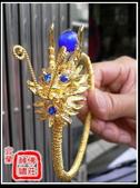 柳絲神明帽、水鑽神帽、神明兵器、銅帽、鎖牌、帽墜(宜蘭神佛繡莊):2呎2柳絲太子兵器(水鑽+瑪瑙)2.jpg