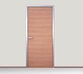 ▄ ▃ ▂ 大光興不鏽鋼門窗金屬工程有限公司▂ ▃ ▄ :臥室開門 門片貼紅橡木皮.jpg