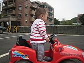 祐祐一歲一個月,婷兒兩歲六個月:照片 012.jpg