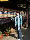 2008 india trip:Cannie@Tibetan Temple-1.JPG