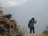 2008 india trip:Cannie on the way to Jwalaji Temple.JPG
