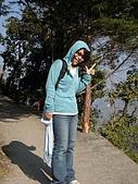 2008 india trip:Cannie@Benog Hill.JPG